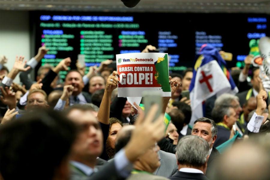 Dilma Rousseff tenta resistir ao processo de impeachment. Foto: Wilson Dias/Agência Brasil