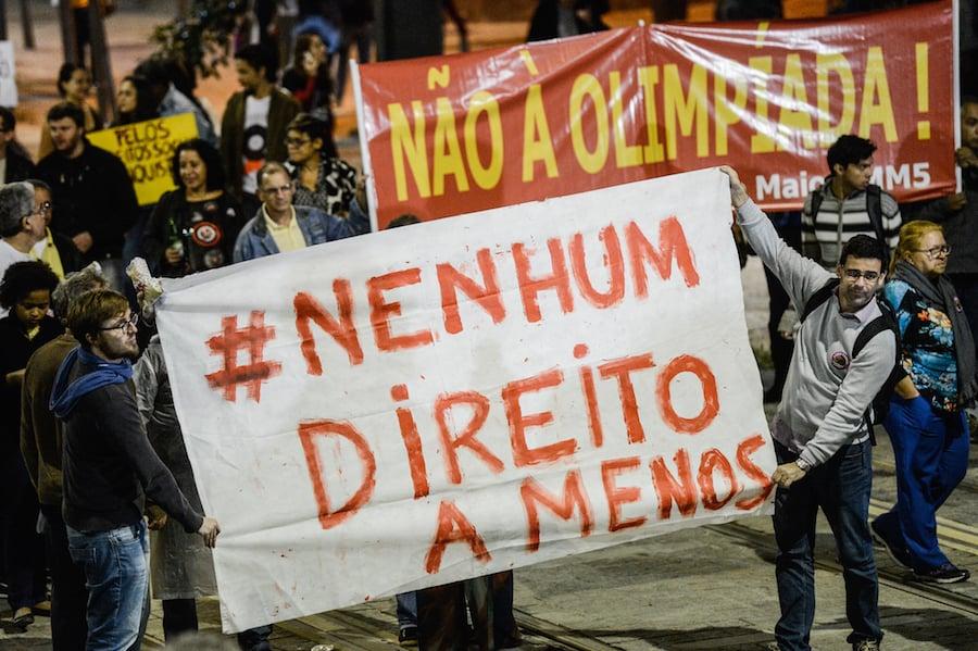 Rio de Janeiro - Servidores públicos federais de diversas categorias protestam no centro da cidade contra a reforma da Previdência, o congelamento de salários e desligamentos. Foto: Fernando Frazão/Agência Brasil
